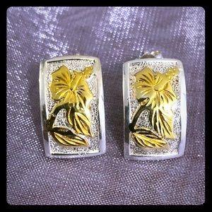 HAWAIIAN SILVER HYBISCUS 8 kt Gold TONE EAARINGS